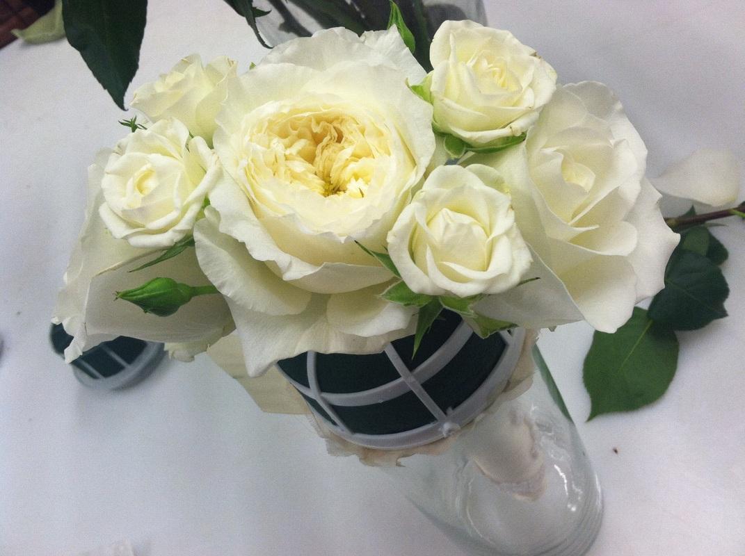 custom designed by brenda abbott the brides bouquet consists of white patience david austin garden roses white tibet roses snowflake spray roses and - White Patience Garden Rose